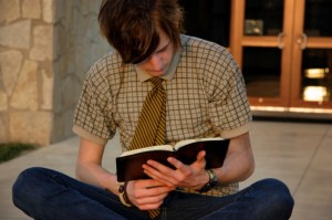 teen-reading-bible
