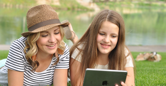 """Social Media Inspires Youth to """"Come and See"""" Gospel Messages"""