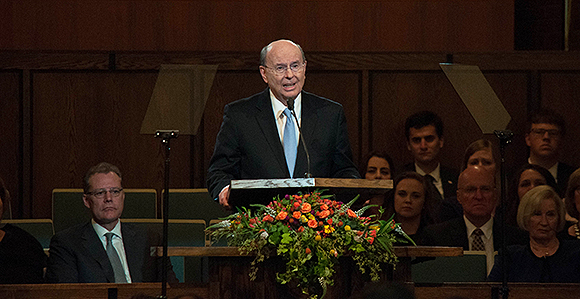 Elder Cook: Internet & Social Media ­­Contribute Much Good, But Can Also Distract