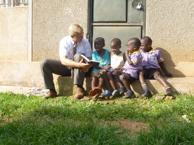 mormon-missionary-uganda-children