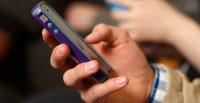 phone-social-media