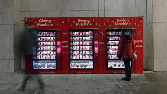 #LightTheWorld Giving Machines Expand to 10 Locations During Christmas Season