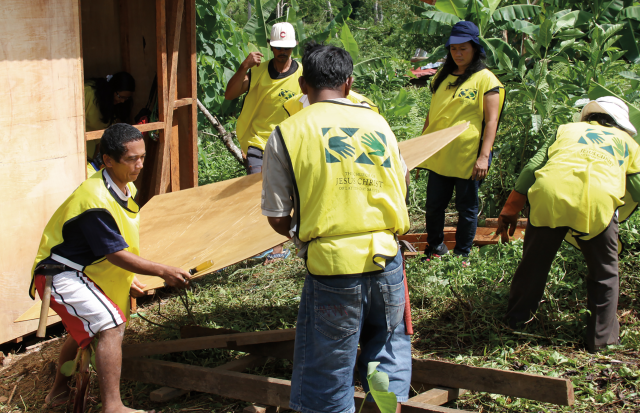 mormon_helping_hands_haiyan