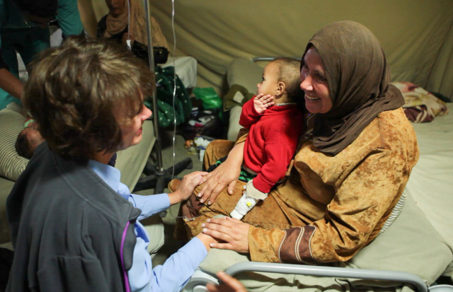 women_refugee_camp