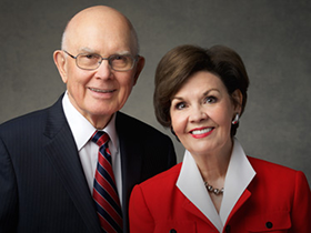 dallin-oaks-kristen-oaks-apostle