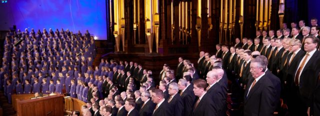 Tabernacle Choir Performances Resume on Temple Square